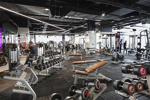 celebrity-fitness-indonesia-club-feature-free-weights
